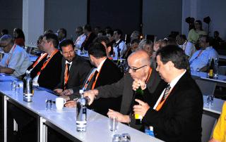 Gäste der eEvolution Konferenz 2014 beim Anhören eines Vortrags