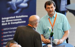 Informationaustausch zweier eEvolution Konferenz Gäste
