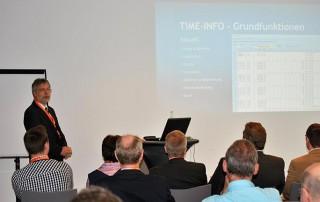 Thomas Wolf mit einem Vortrag auf der eEvolution Konferenz 2014