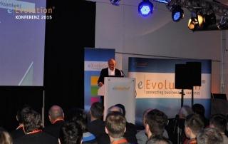 Martin Kind bei seinem Vortrag auf der eEvolution Konferenz 2015 in Hildesheim