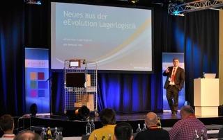 Alexander Schmidt beim Vortrag auf der eEvolution Konferenz 2014